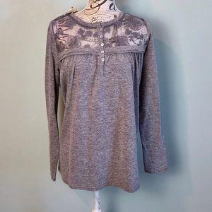Easel NWT gray blouse size medium